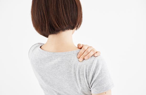 肩~肩甲骨まわりの凝りを訴える方が多い